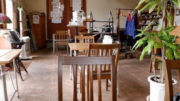 木野珈琲のテーブル席