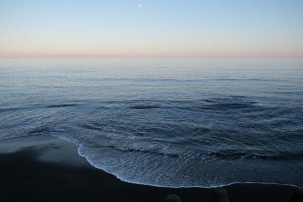 黄金道路からながめる海